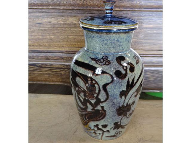 窑变蓝金(吹笛飞天纹)插花瓶